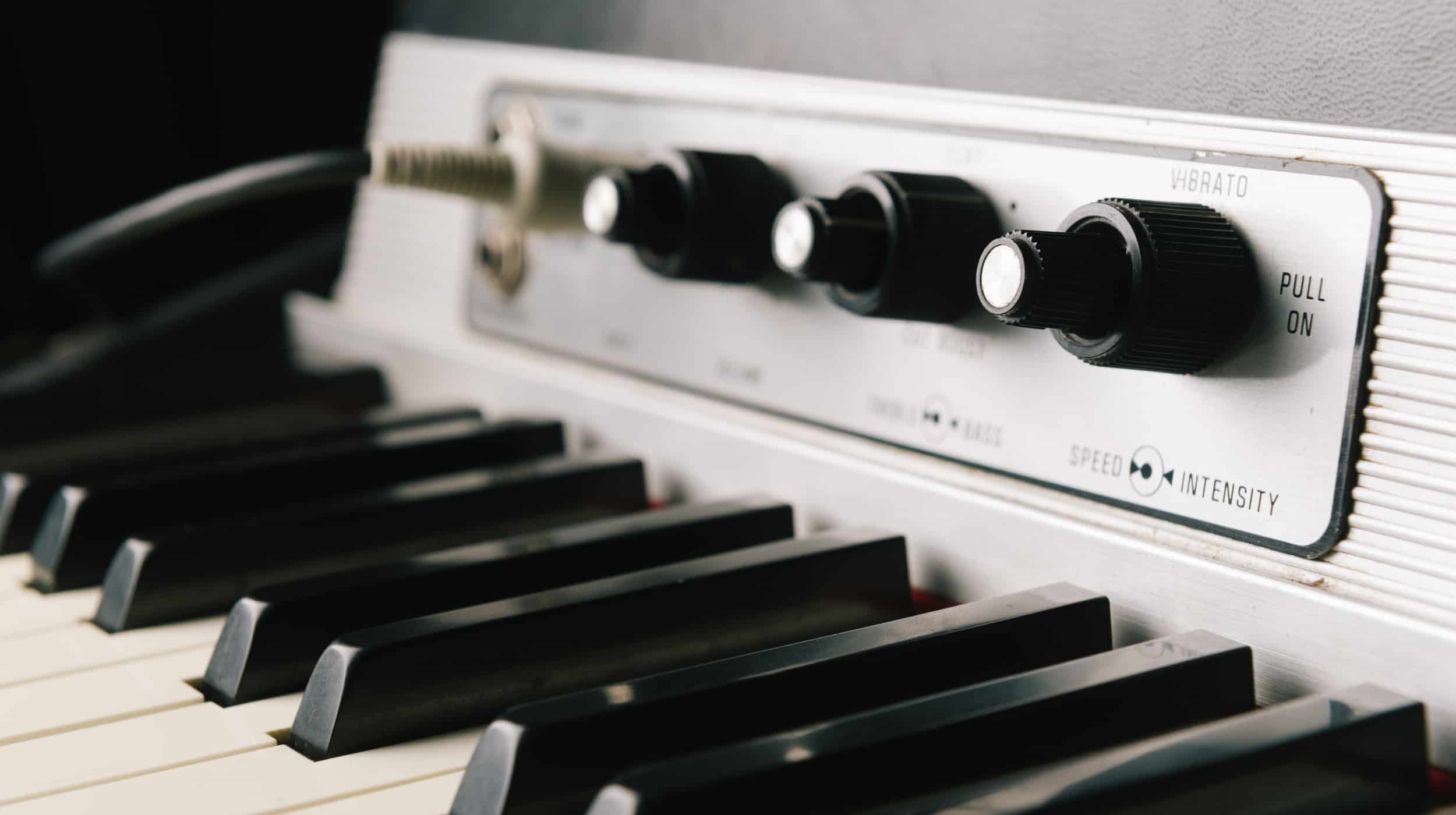 article fender rhodes mods