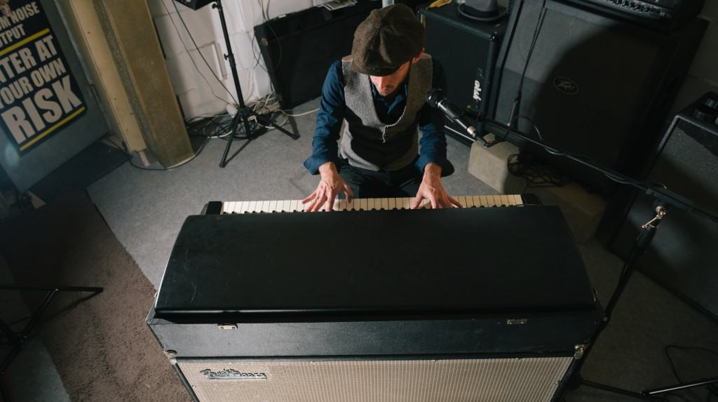 article fender rhodes models comparison
